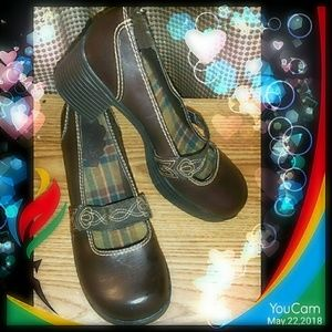 Shoes - Mary jane style platforms burgundy